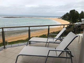 Toowoon Bay Beach Front Apartment with free Wifi and Netflix