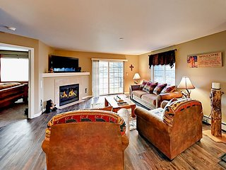 Spacious Condo with Patio | Across Street from Bus Stop & Close to Ski Lifts