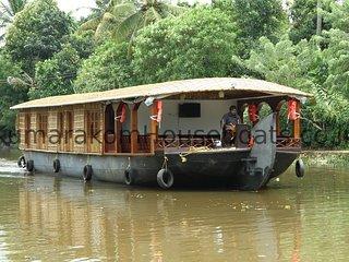 Kumarakom House Boats