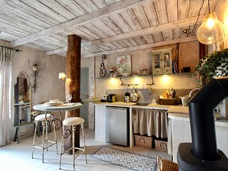 Le Cochon Heureux - romantic apartment for two