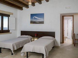 Case al Borgo-Agira Centre-Home Relais - Casa Enzo Sellerio