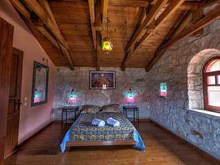 Diamond Suites / Thalia - 3 Bedroom Maisonette