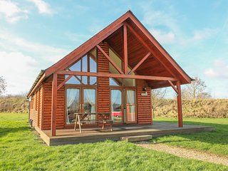BELFRY LODGE, pet friendly, luxury holiday cottage, with hot tub in