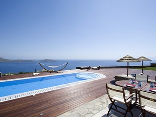 Luxury,stylish,relax,seafront,pool