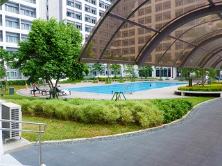 Cozy Staycation Vacation Unit in Manila with Free Pool Access