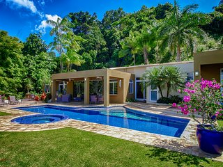 Casa Oasis, Ocean Views, Pool, Close to the Beach!!