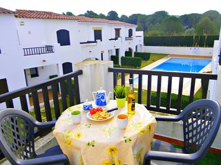 Villa Cristina, modern, communal pool and garden, WIFI, barbecue
