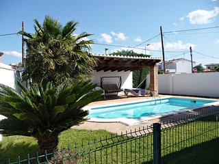 Villa Regine, 400m from the beach, private pool, garden, barbaoca, terrace