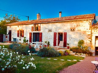 Luxury 6 bedroom Cottage & Gite with private Pool