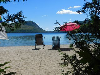 Family Cottage and Private Beach with Motorboat and Sailboat in Westmore, VT
