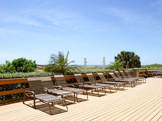 Incredible 2BR/2BA with Gulf View, Direct Beach Access, Pool, Parking, Balcony
