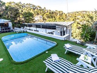 Villa Angelica de 4 dormitorios con capacidad para 10 personas!