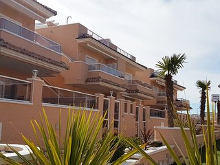 Fantastic 2 bedroom 2 bathroom top floor apartment Punta Prima