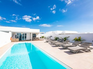 Villa AZAHAR Suites