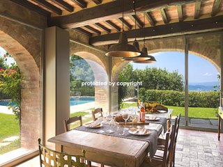 LUXURY VILLA AMONG VINEYARDS GREAT VIEW ON AREZZO