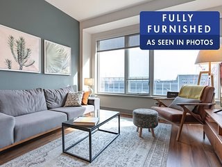 Lux 1BR in Seaport with pool and Boston Harbor views  by Blueground