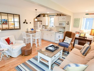 #117: Charming freestanding Provincetown condo; ideal for couples!