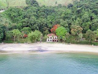 Casa à beira-mar em Angra