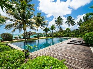 THE BAY luxury Villa