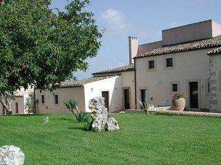 7 bedroom Villa in Fontana Lupo-Rigolizia, Sicily, Italy - 5763139