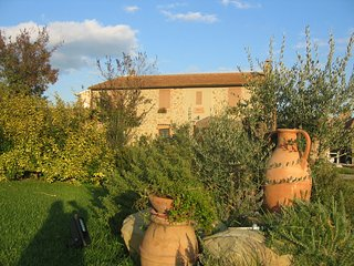 Diaccialone Villa Sleeps 24 with Pool - 5762984