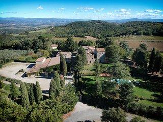 Libbiano Villa Sleeps 20 with Pool and WiFi - 5763415