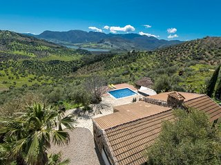 Algodonales Villa Sleeps 2 with Pool Air Con and WiFi - 5605481