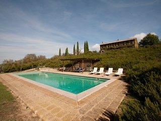 Monticchiello Villa Sleeps 20 with Pool and WiFi - 5764394
