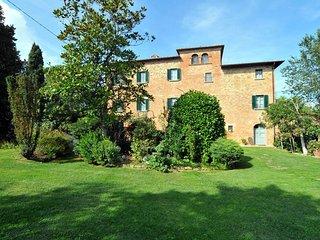 Pozzo della Chiana Villa Sleeps 24 with Pool Air Con and WiFi - 5762560