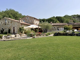 Guardea Villa Sleeps 10 with Pool Air Con and WiFi - 5763215
