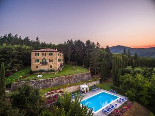 Bagno a Ripoli Villa Sleeps 12 with Pool Air Con and WiFi - 5764873