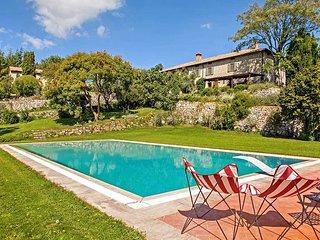 Spineta Villa Sleeps 12 with Pool and WiFi - 5764896