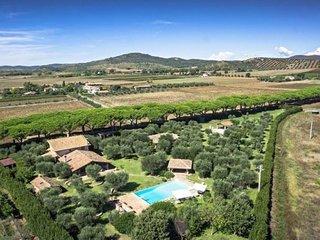 4 bedroom Villa in Borgo Carige, Tuscany, Italy - 5764155