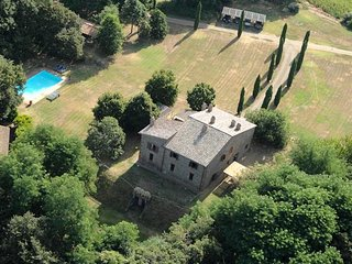 San Lorenzo Nuovo Villa Sleeps 20 with Pool - 5763510