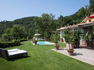 Troghi Villa Sleeps 6 with Pool Air Con and WiFi - 5762723