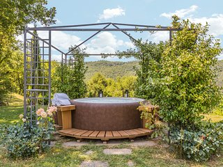 Bagno a Ripoli Villa Sleeps 10 with Pool Air Con and WiFi - 5764874
