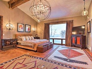 Lavish Cottage w/Amazing Views+Hot Tub - By Aspen!