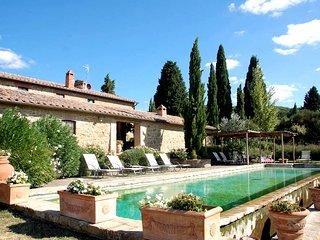 Monticchiello Villa Sleeps 12 with Pool and WiFi - 5765066