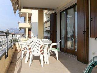 2 bedroom Apartment in Bardolino, Veneto, Italy - 5764698