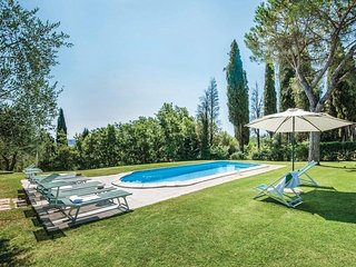 Sovignano Villa Sleeps 14 with Pool and WiFi - 5762434