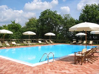 2 bedroom Apartment with Pool and WiFi - 5764259