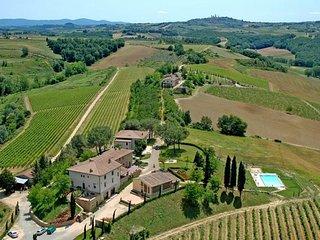 9 bedroom Villa in Capezzano Pianore, Tuscany, Italy - 5764116