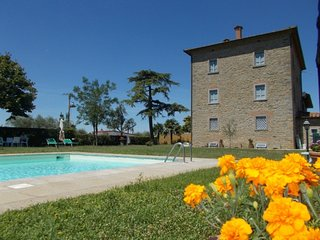 Fratta-Santa Caterina Villa Sleeps 18 with Pool and WiFi - 5765177