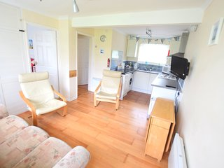 Chalet 184 Sandown Bay, Isle of Wight, Free WiFi, Sleeps 4-6