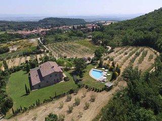 Sant'Albino Villa Sleeps 14 with Pool Air Con and WiFi - 5764731