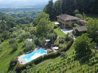 Grezzano Villa Sleeps 14 with Pool and WiFi - 5763512