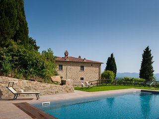 Molinelli Villa Sleeps 12 with Pool Air Con and WiFi - 5765174