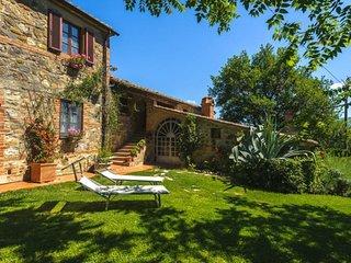 Contignano Villa Sleeps 21 with Pool and WiFi - 5763547