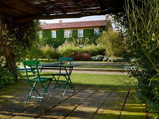 Pienza Villa Sleeps 10 with Pool and WiFi - 5763491