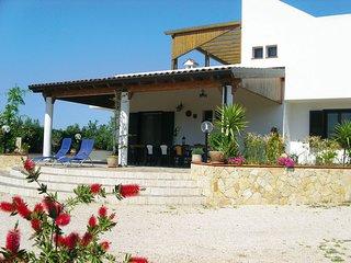 Gallipoli Villa Sleeps 10 with Pool - 5764958